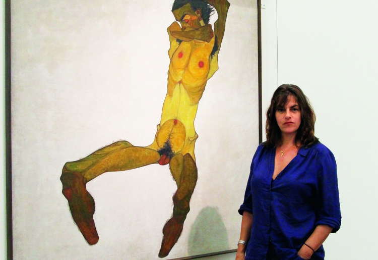 Tracey Emin at the Leopold Museum in front of Egon Schieles painting »Seated Male Nude« | 2014 © Leopold Museum, Vienna / A. Ludwig