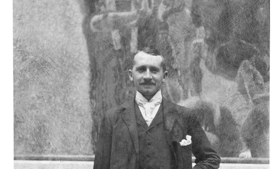 Joseph Maria Auchentaller,  Josef Maria Auchentaller at the 10th Secession exhibition in front of Gustav Klimt's artwork »The Medicine« © Archiv Erben Auchentaller